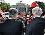 Werner Faymann und Michael Häupl am Rathausplatz