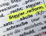 Steuerreform in einem Lexikon markiert
