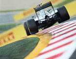 Formel-1-Auto auf der Strecke