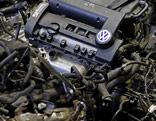 VW Motor am Schrottplatz