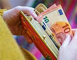 Euroscheine in Geldbörse