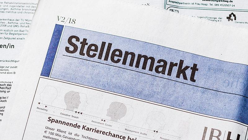 Stellenmarkt in der Zeitung