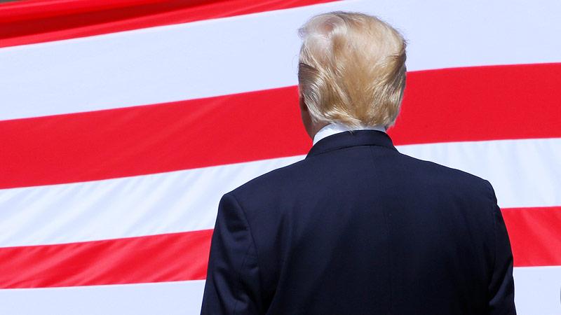 Rückenansicht von Donald Trump