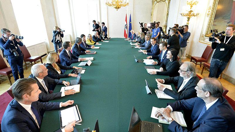 Ministerrat mit den neuen österreichischen Ministerinnen und Ministern