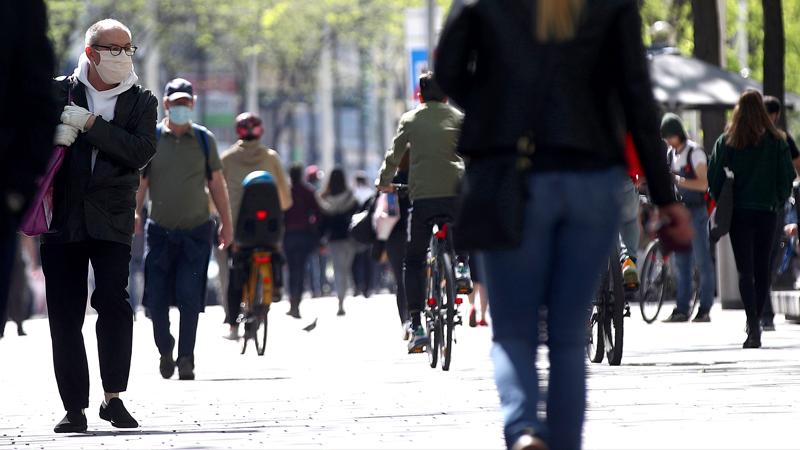 Menschen auf Straße