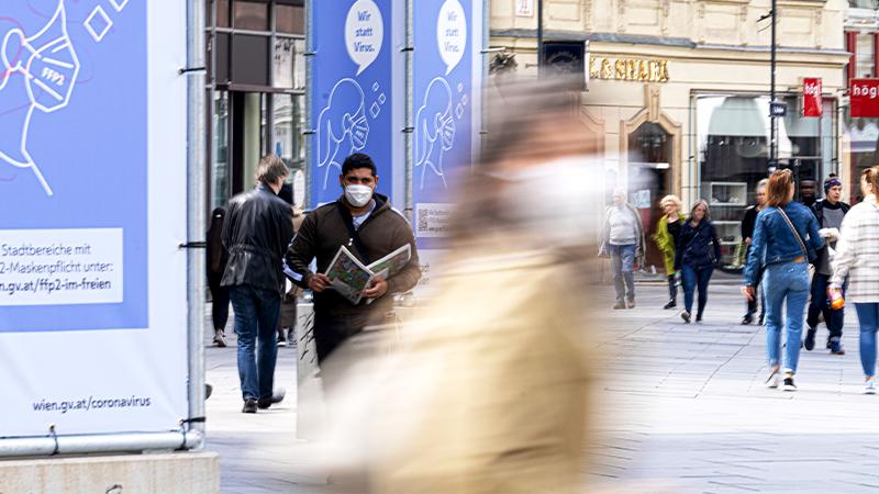 Menschen in Eikaufsstraße